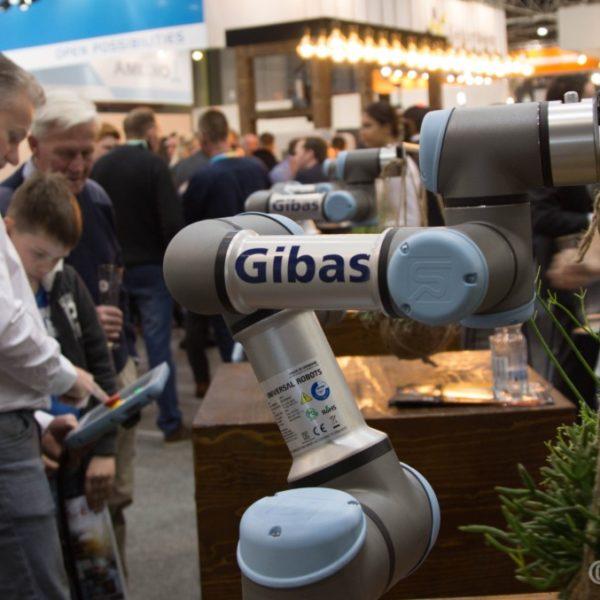 Een cobot van Universal Robots op de Technishow 2018 bij Gibas