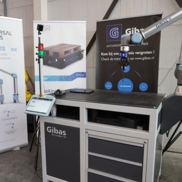 Demonstratie opstelling met Universal Robots, TracePen en G-loader