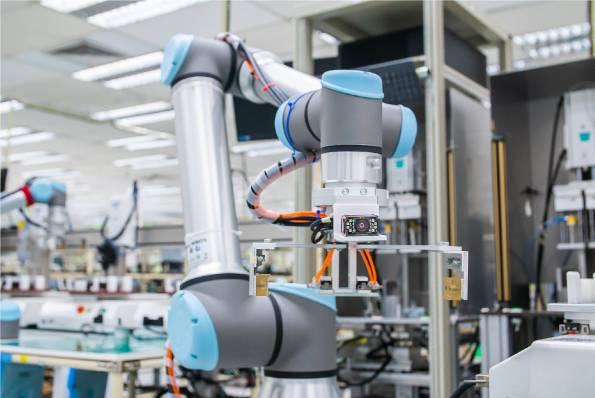 Universal Robots in bedrijf om mythes van cobots uit te leggen